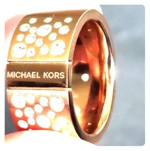 Michael Kors ring size 7